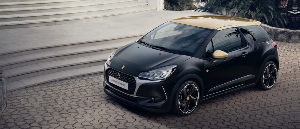 Black DS 3 with gold roof