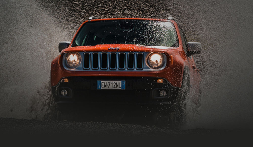 Jeep Renegade splashing through water