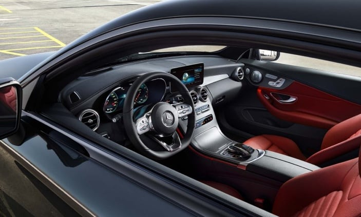 External view of the C-Class dash