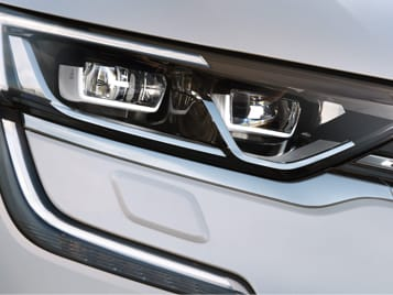 Light up the night with C-shaped headlights.