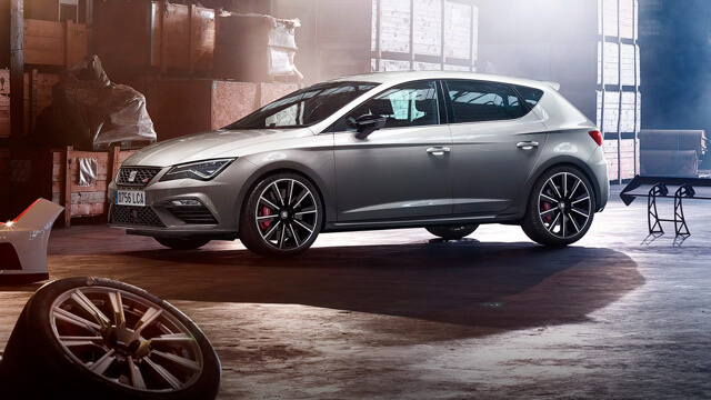 SEAT Leon Cupra with accessories