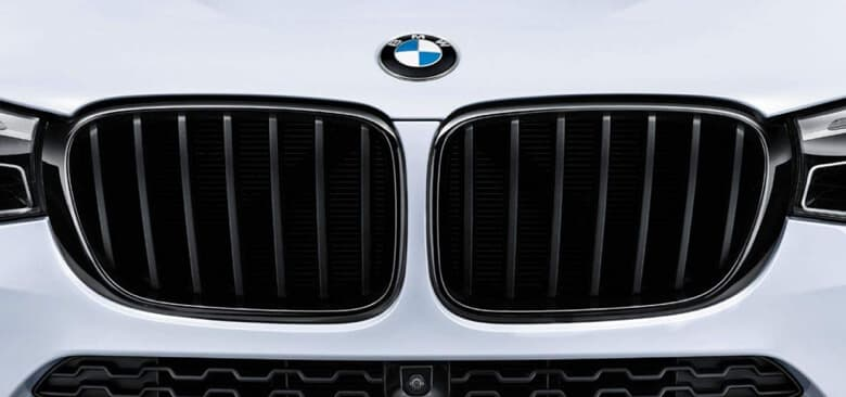 M Grille in black