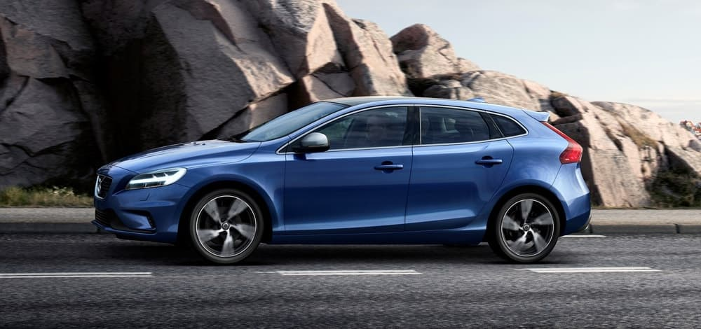 Blue Volvo V40 R-Design T2