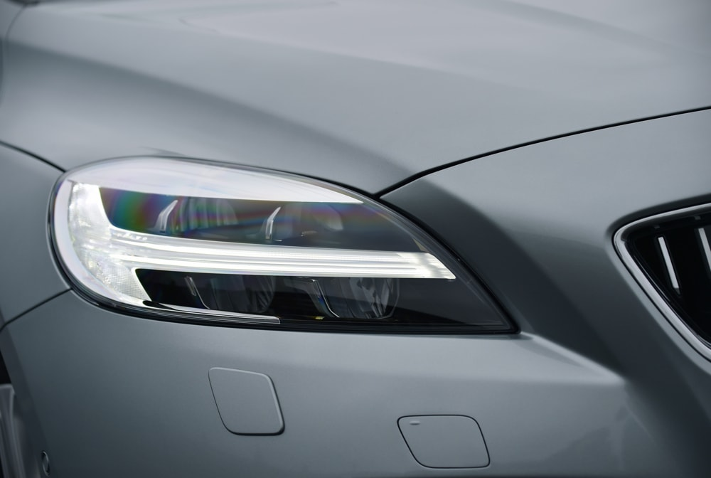 Volvo V40 headlights