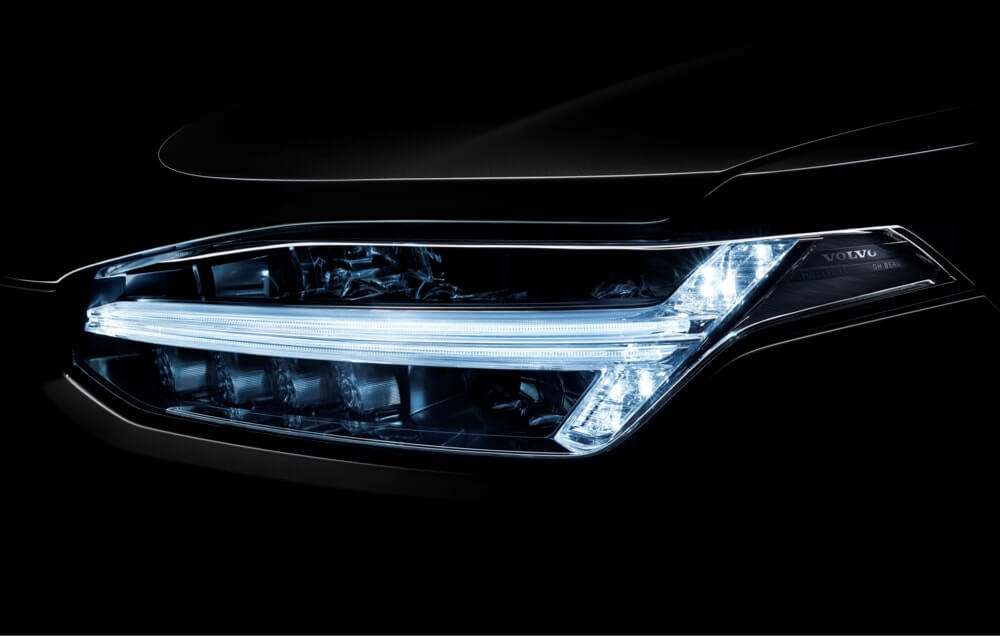 Volvo XC90 headlights